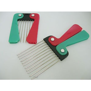 Folding Metal Afro Pik Comb Handle